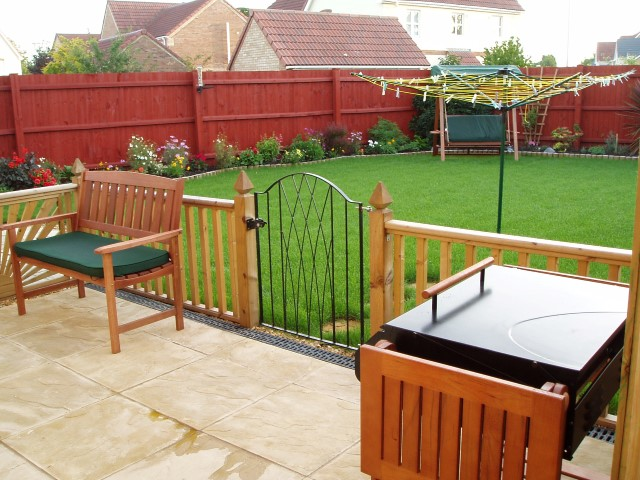 Just Pushes In! ABS 8 Sections of Flexible Lawn Edging Fence